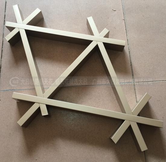 广东铝格栅价格实惠专业生产批发优质三角形铝格栅